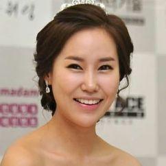 Hwang Eun-jeong Image