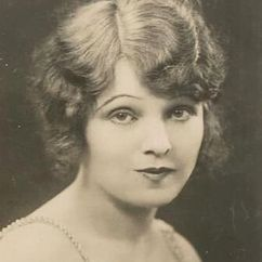 Betty Ross Clarke Image
