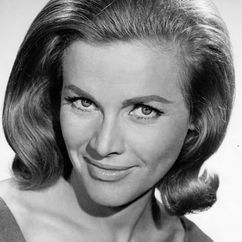 Honor Blackman Image