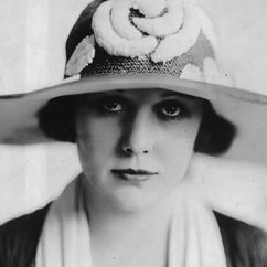 Edna Purviance Image