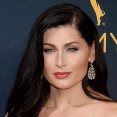 Trace Lysette Image