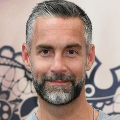 Jay Harrington Image
