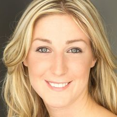 Nina Lauren Image