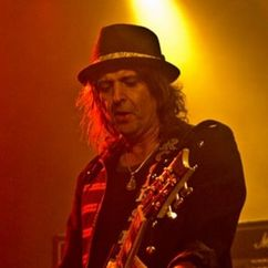 Phil Campbell Image