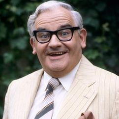 Ronnie Barker Image