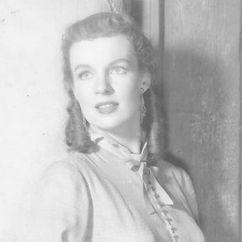Helena Carter Image