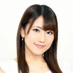 Maya Yoshioka Image
