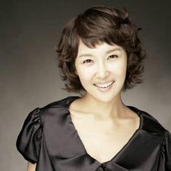 Choi Eun-Kyeong Image