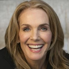 Julie Hagerty Image