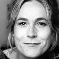 Julie Carlsen Image