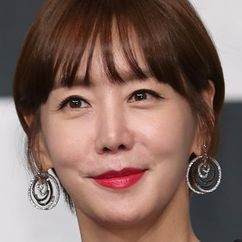 Kim Jung-eun Image