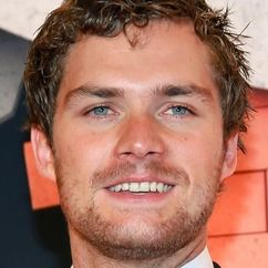Finn Jones Image