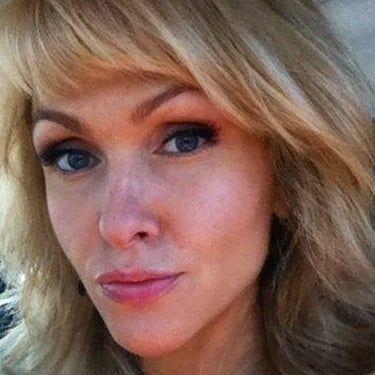 Jenn Lyon Image