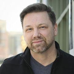 Jeffrey Hanson Image