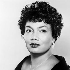 Pearl Bailey Image