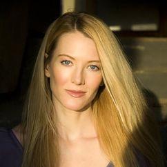 Julianna Robinson Image