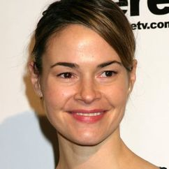 Leisha Hailey Image