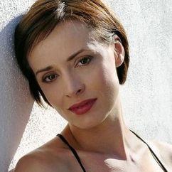 Lara Harris Image
