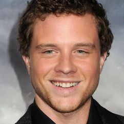 Jonny Weston Image