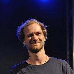 Robert Gwisdek Image