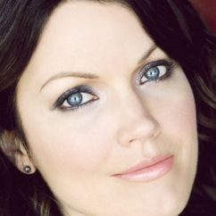 Bellamy Young Image