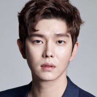 Yoon Kyun-sang Image