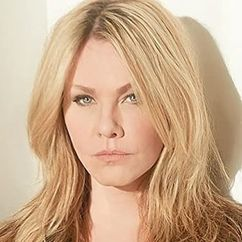 Andrea Roth Image