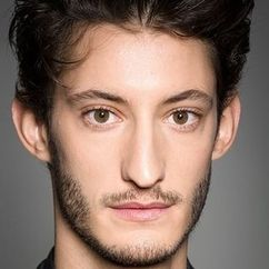 Pierre Niney Image