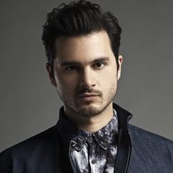 Michael Malarkey Image