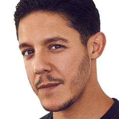 Theo Rossi Image