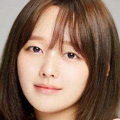 Jung Ji-so Image