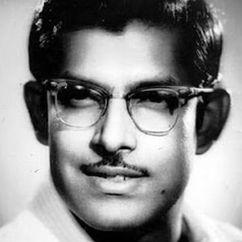 Hrishikesh Mukherjee Image