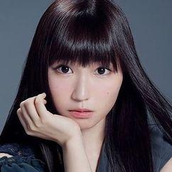 Aina Suzuki Image