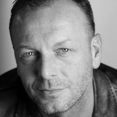 Hugo Speer Image