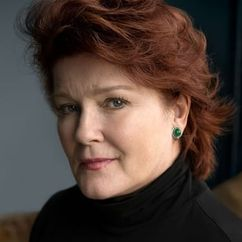 Kate Mulgrew Image