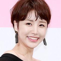 Yoon Jin-yi Image