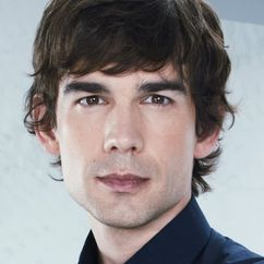 Christopher Gorham Image