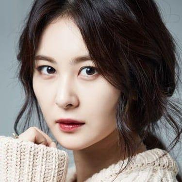 Son Eun-seo Image