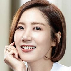 Yoo Ho-jeong Image