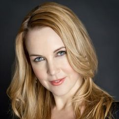Renee O'Connor Image
