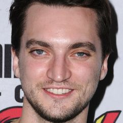 Richard Harmon Image