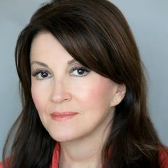 Mary Apick Image