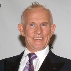 Tom Smothers Image