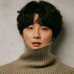 Yoon Shi Yoon Image