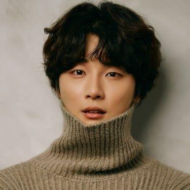Yoon Shi-Yoon Image