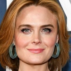 Emily Deschanel Image