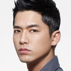 Lee Yong-Woo Image