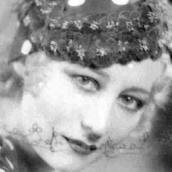 Dorothy Stone Image