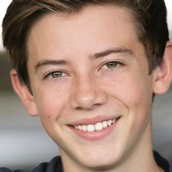 Griffin Gluck Image