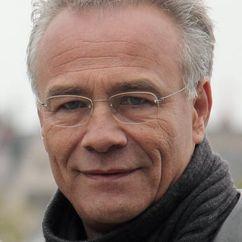 Klaus J. Behrendt Image